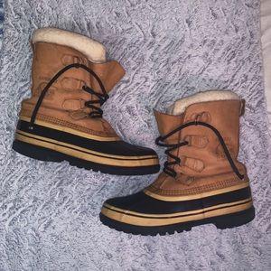 Sorel Caribou Winter Boot (Women's 9.5/ Men's 8)
